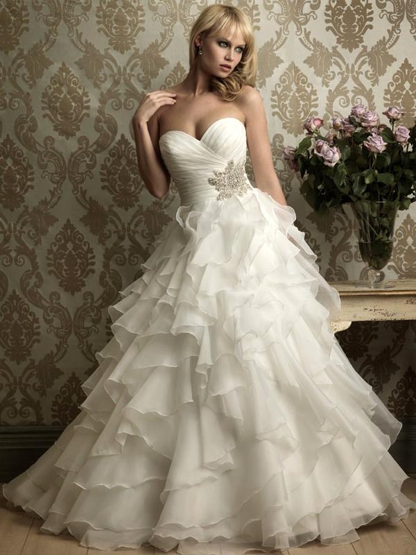 d669d48589 női ruha webshop | nagy fodros aljú esküvői ruha | Axadion női divat ...