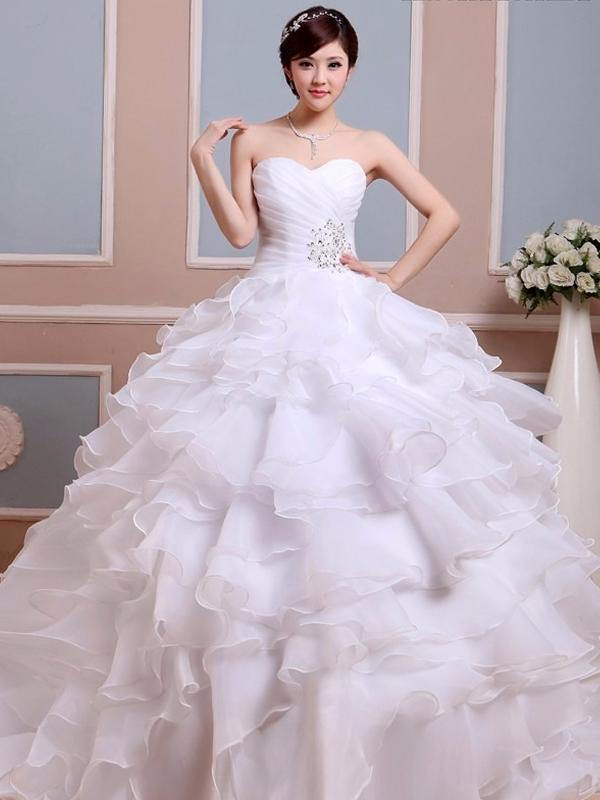 b74e6de732 női ruha webshop | nagy fodros aljú esküvői ruha | Axadion női divat ...
